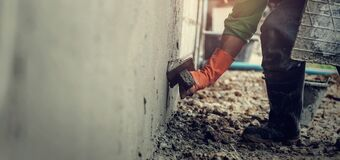 Free Closeup Hand Worker Plastering Cement On Wall For Building House Royalty Free Stock Photography - 171272437