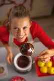 Closeup on housewife showing homemade apple Stock Photography