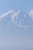 Closeup Mt.Fuji with clear blue sky Royalty Free Stock Photography