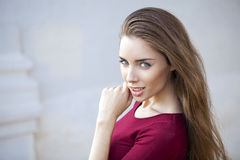 Closeup portrait of a happy young woman smiling Royalty Free Stock Photography