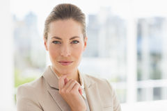Closeup portrait of a young businesswoman. In a bright office Royalty Free Stock Photos