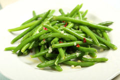 Green beans with garlic and chilli Royalty Free Stock Photography