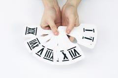 closeup ställ in latinska siffror, i händerna av män arkivfoton