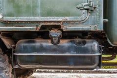 Closeup till bränslebehållaren av militära Panzer, lastbil royaltyfri fotografi