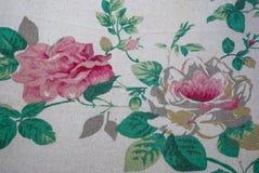 Closeup till för blommatappning för två stort rosa rosor tyg Royaltyfri Bild