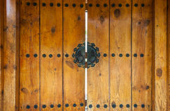 Closeup till träingångsdörren i koreansk stilbakgrund för tradition arkivfoto