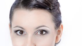 closeup visage de belle jeune femme avec le maquillage quotidien photo libre de droits