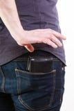 closeup Voleur volant le portefeuille de la poche arrière de l'homme vol Photos stock