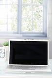 Closeupbärbar dator med den öppna överkanten Arkivfoto