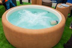 Closeupen av varmt badar royaltyfri bild