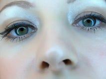 closeupen eyes flickor Arkivfoton