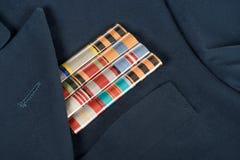 closeupen sköt av medaljer på det marinblåa omslaget, segerdagbegrepp Fotografering för Bildbyråer