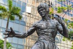 Closeupfoto av den Bruce Lee statyn Arkivfoto