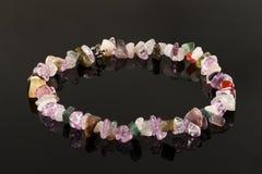 Closeupkristaller av ametist, fluorite, jaspisen, karneolen och ro Royaltyfri Fotografi