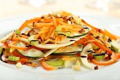 Sallad av nya grönsaker Royaltyfria Bilder