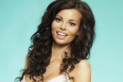 Closeupstående av brunettskönhet Fotografering för Bildbyråer