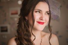 Closeupstående av den mjuka härliga bruden - fokusera Royaltyfria Bilder