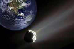 Closing asteroide grande ao planeta da terra Conceito do apocalipse Imagens de Stock