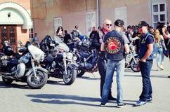 Closing do 6o motoseason pela associação do motociclista selvagem CCM em Ucrânia Ivano-Frankivsk Imagem de Stock