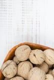 Closup грецкие орехи в шаре Стоковые Изображения RF
