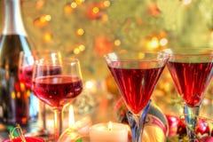 Closup czerwone wino w szkłach. Obrazy Stock