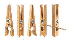 Clothespins που απομονώνεται στο άσπρο υπόβαθρο Στοκ εικόνα με δικαίωμα ελεύθερης χρήσης