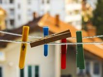 Clothespins coloridos Fotos de archivo