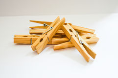 Clothespins na białym tle Fotografia Stock