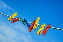 Free Clothespins On The Clothesline Royalty Free Stock Photo - 33505805