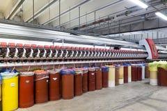 clothing dummies female industry inside store textile women Περιστρεφόμενη μηχανή βαμβακιού Στοκ Φωτογραφίες