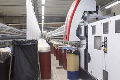 clothing dummies female industry inside store textile women Περιστρεφόμενη μηχανή βαμβακιού Στοκ Εικόνες