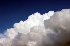 cloud cumulusen Arkivfoton