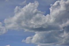 cloud cumulusu b??kit nieba white zdjęcie royalty free