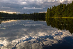 Cloud reflections in the lake Royalty Free Stock Images