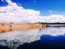 Cloud reflexionen royaltyfri fotografi