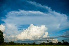 cloud skyen Arkivbild