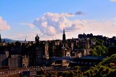 Cloude sobre la ciudad imagen de archivo libre de regalías