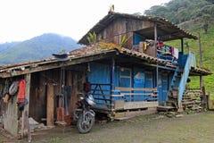 cloudforest的地道房子厄瓜多尔山 免版税库存照片