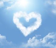Cloudlet bajo la forma de corazón Fotos de archivo