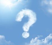 Cloudlet sedoso en la forma del signo de interrogación Foto de archivo