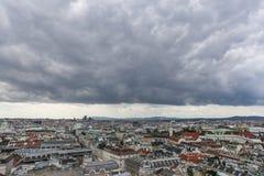 Cloudly-Panorama von Wien Stockfotos