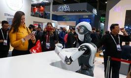 Cloudmindsrobotica bij MWC19 in Barcelona wijd stock afbeeldingen