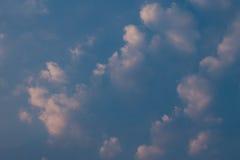 clouds aftonskyen Royaltyfri Bild