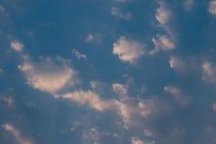 clouds aftonskyen Royaltyfria Foton