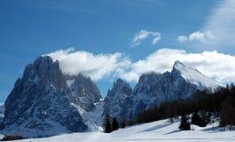 clouds berg över Fotografering för Bildbyråer