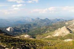 clouds bergskyen arkivfoto