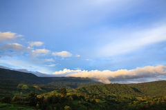 Clouds cover the mountain Royalty Free Stock Photography