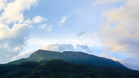 Clouds cover the mountain Royalty Free Stock Photos