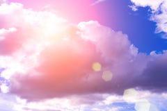 clouds den härliga bluen för bakgrund skyen clouds skyen Arkivfoton