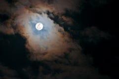 clouds den superfullmånen Royaltyfri Foto